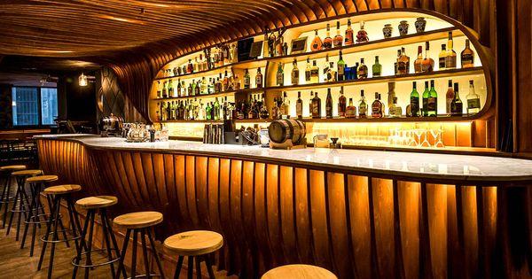 Restaurantes un recorrido de espa a a jap n por las - Barras de bar para salon ...