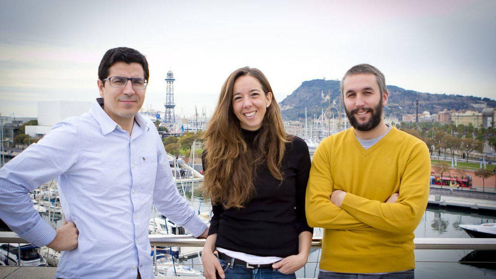 Foto: Ferran Nogué (izq.), cofundador de HolaLuz; Carlota Pi, cofundadora y CMO; Oriol Vila, cofundador y CEO. (Foto: Holaluz)