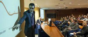 Foto: El presidente de Mondragón Internacional explica cómo debe salir España de la crisis