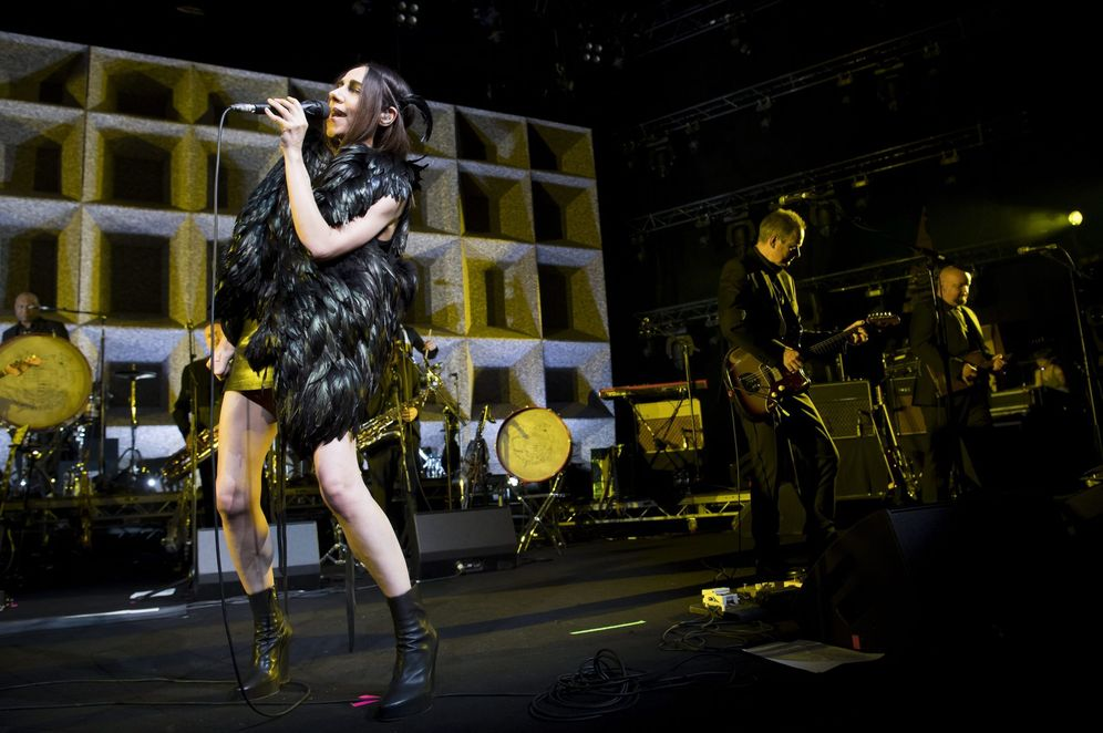 Foto: P.J. Harvey en directo en Montreux en 2016. (EFE)