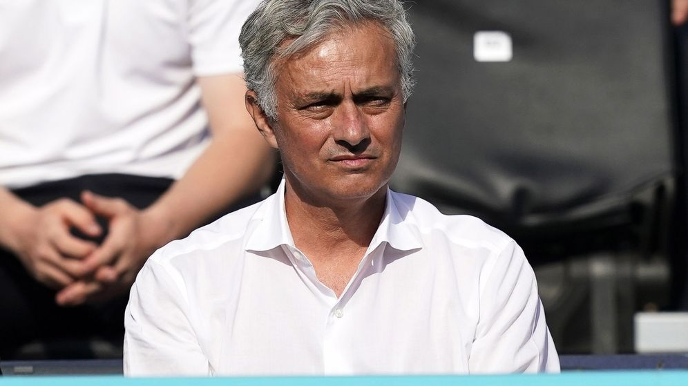 Foto: José Mourinho en la grada durante el torneo de Queen's. (Reuters)