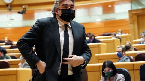 El ministerio irrumpe en el 'motín' contra Levy por Medialab: pide frenar su mudanza