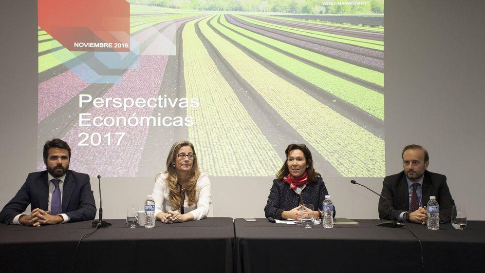 Foto: Los principales responsables de Santander Asset Management en la presentación de sus previsiones para 2017.