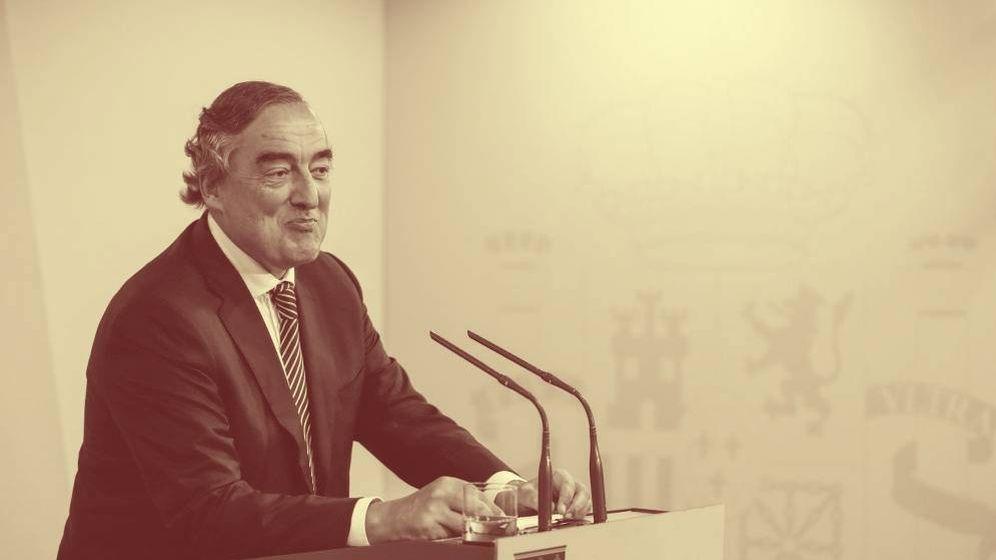 Foto: Juan Rosell en una imagen de archivo, tras su reunión cpon Pedro Sánchez como presidente de la CEOE. (EFE)