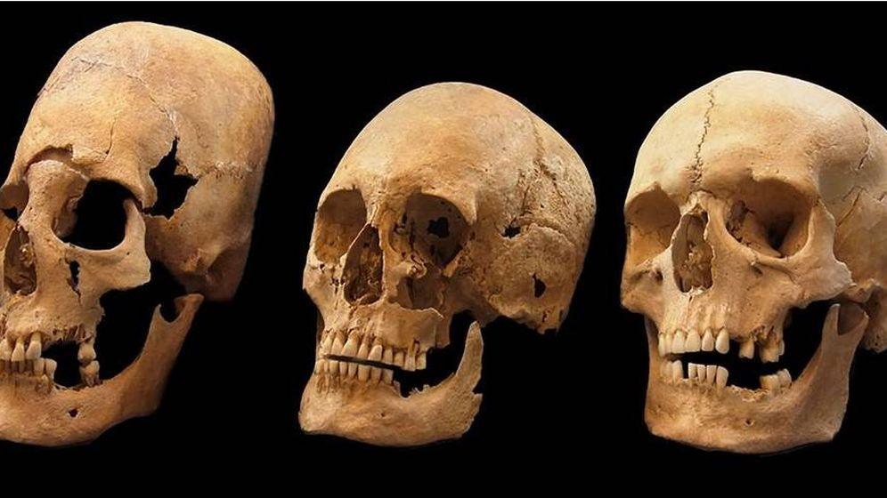Foto: Los cráneos de mujeres encontrados en la investigación. (PNAS)