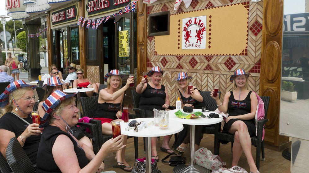 Foto: Turistas británicos, en Palma de Mallorca.