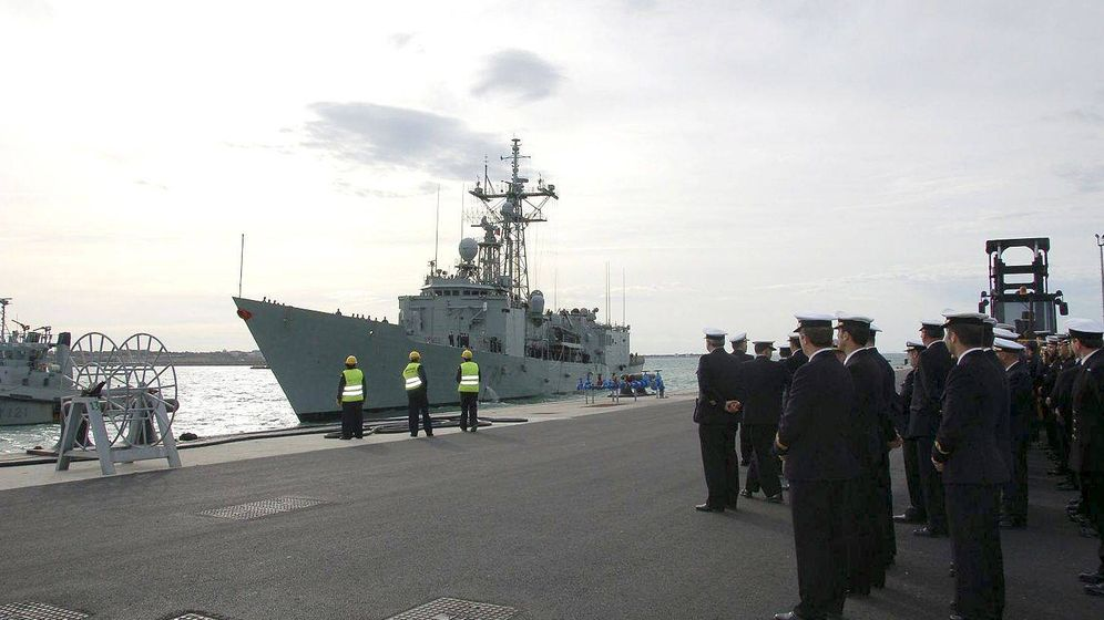 Foto: La fragata 'Navarra', en el puerto de la base naval de Rota (Cádiz). (EFE)