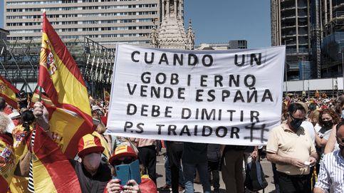 Las mejores imágenes de la concentración en Colón contra los indultos