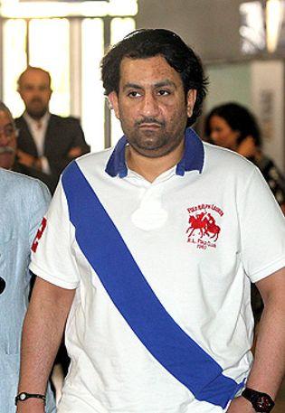 Foto: El jeque Abdullah compra el Málaga CF por 36 millones de euros