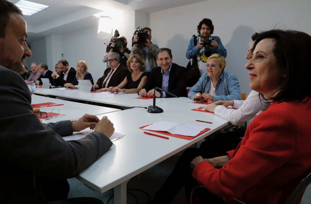 Foto: Margarita Robles, en su encuentro con dirigentes y militantes madrileños, este 17 de mayo en la sede del PSOE-M. (EFE)