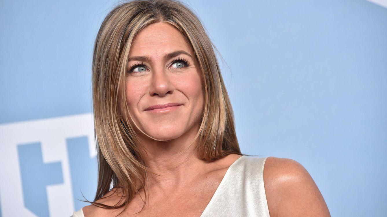 Jennifer Aniston arrasa en IG con su pijama de los Emmy, diseñado por otra estrella