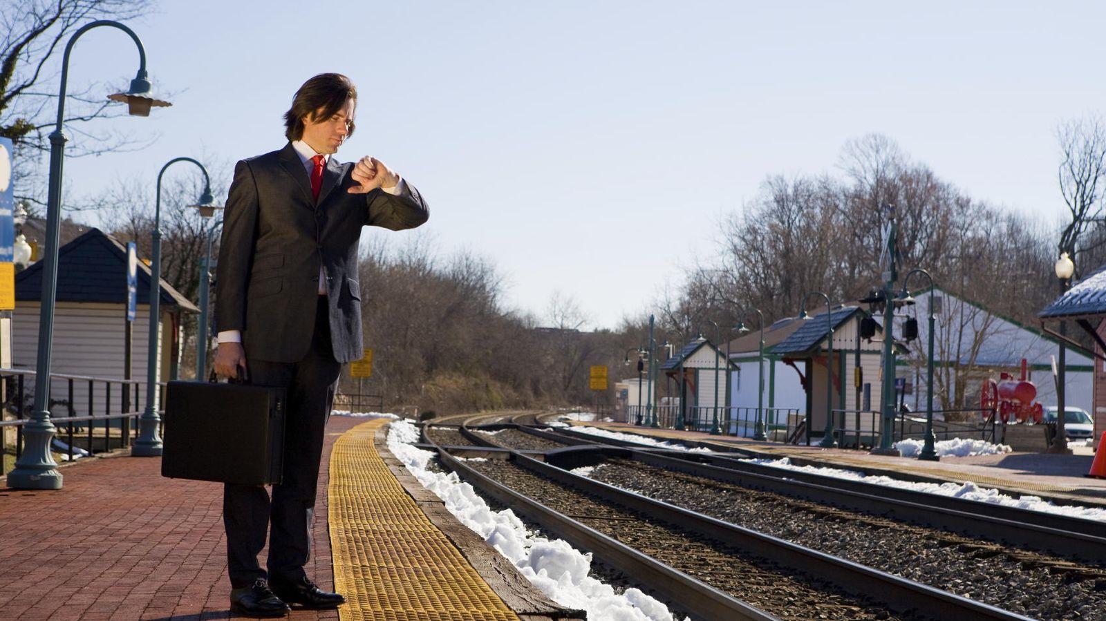 Foto: 'Bueno, si llego una hora tarde siempre puedo decir que ha sido culpa del tren'. (iStock)