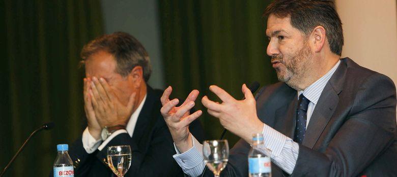 Foto: El director de ABC, Bieito Rubido (d). (EFE)