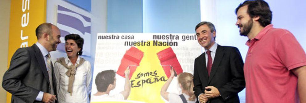"""Campaña contra la ofensiva soberanista de Ibarretxe: """"Somos España"""""""