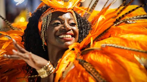 Color, percusión y baile hacen vibrar a Uruguay en el culmen de su carnaval