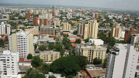 Derriban una estatua de Cristóbal Colón en Barranquilla al grito de asesino