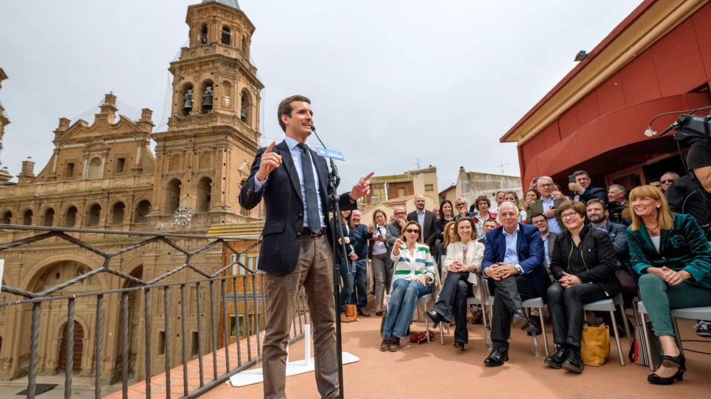 Foto: El líder nacional de los populares, Pablo Casado, durante su intervención en un acto electoral en Alfaro (La Rioja). (EFE)