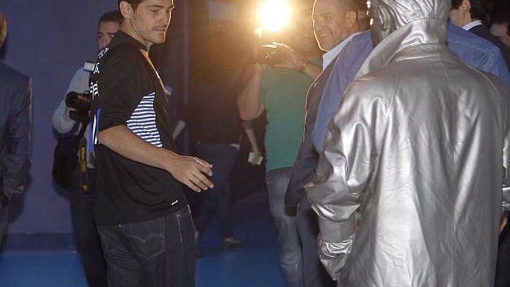 Mou: En Portugal hay muchos recortes y a Casillas le dan un sueldo increíble
