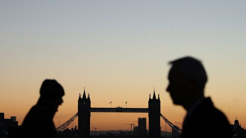 Con London Bridge en el horizonte