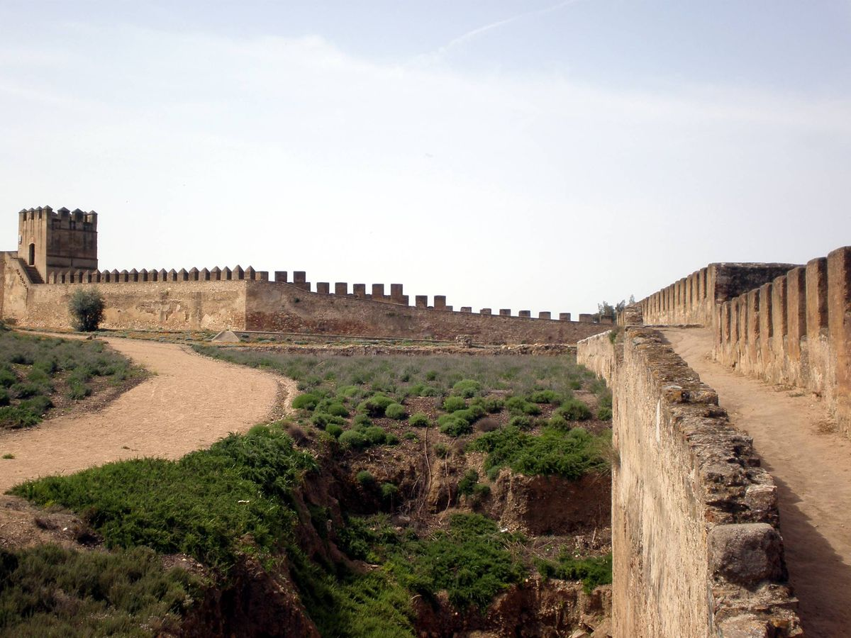 Foto: La muralla de Badajoz. (Wikimedia Commons)