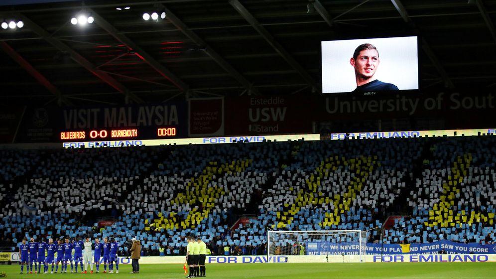 Foto: El Cardiff City - Bournemouth estuvo marcado por Emiliano Sala. (Reuters)