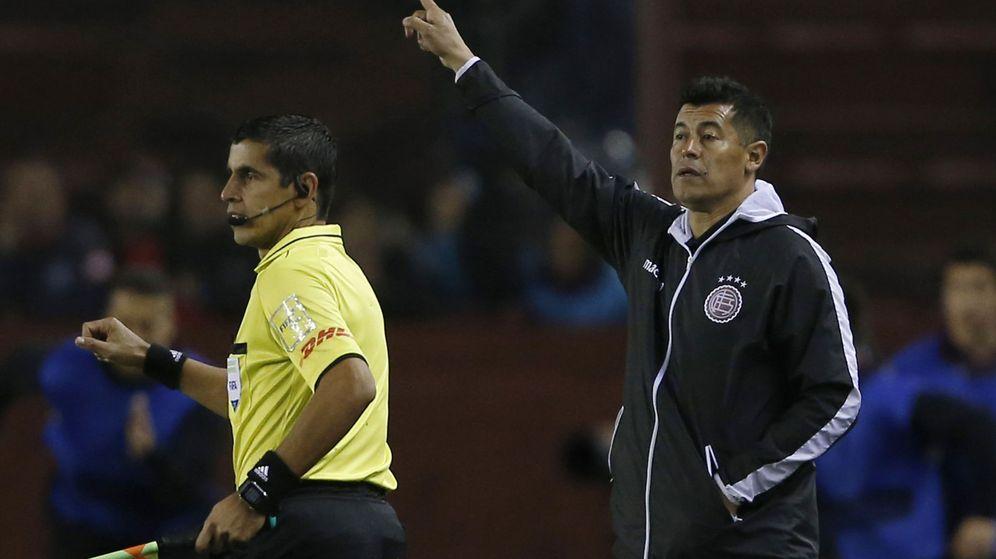 Foto: Jorge Almirón se despidió hace unos días de Lanús con el subcampeonato de la Libertadores. (EFE)