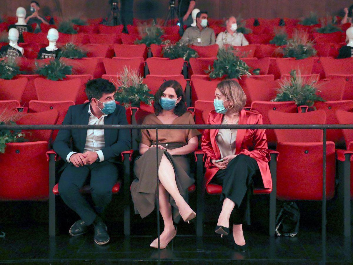 Foto: Isabel Díaz Ayuso y Marta Rivera, en la reapertura de los Teatros del Canal. (EFE)