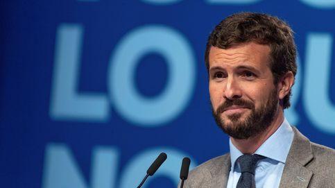 Casado alienta su campaña del voto útil con sondeos que le acercan al PSOE