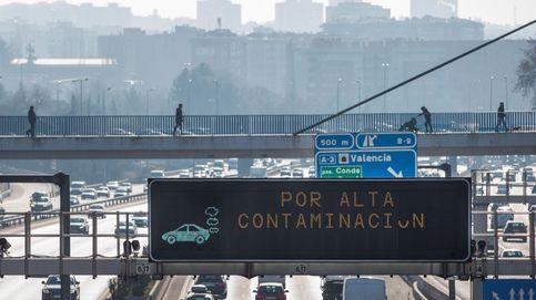 Madrid prevé pagar el abono transporte a quien dé de baja un coche contaminante