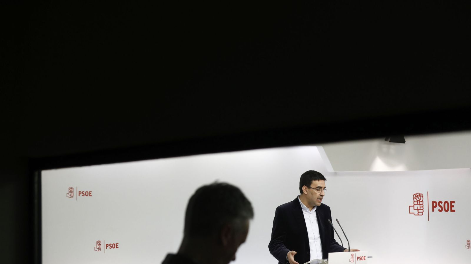 Foto: Mario Jiménez, portavoz de la gestora, este 8 de febrero en Ferraz. (EFE)