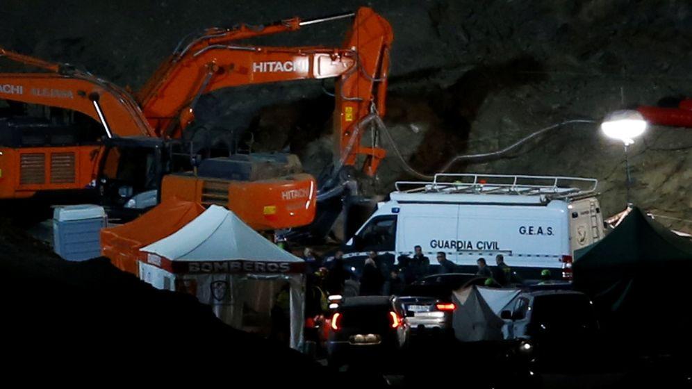 Foto: Imagen de las labores de rescate en la zona del pozo. (Reuters)