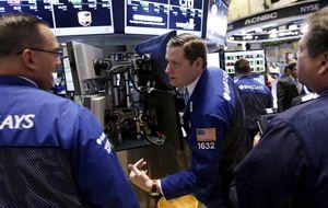 Wall Street toma aire pero se mantiene en máximos