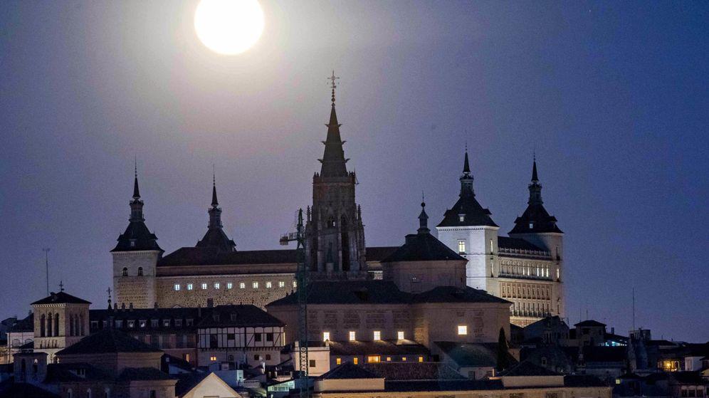 Foto: Alcázar y centro histórico de Toledo. (EFE)