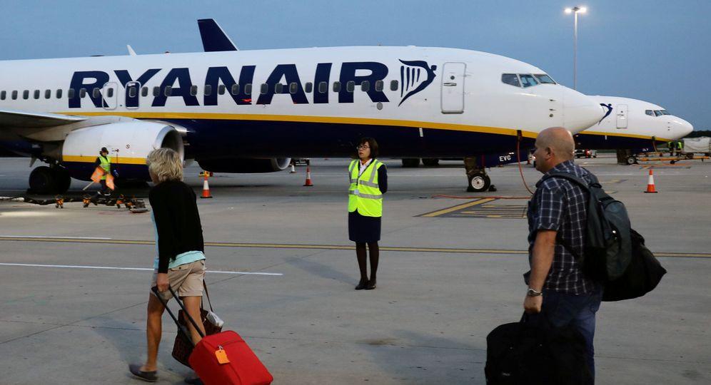 Foto: Ryanair capea las amenazas de huelga tanto de pilotos como de personal de tierra. (EFE)