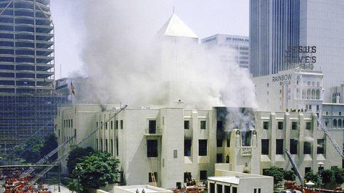 Una biblioteca en llamas, un millón de libros quemados y un fascinante pirómano