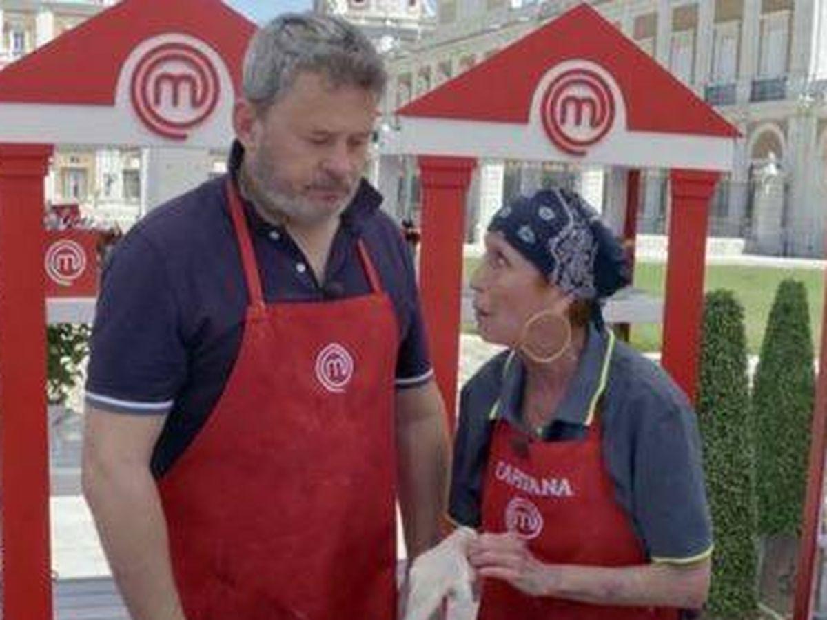 Foto: Miki Nadal y Verónica Forqué, en 'MasterChef'. (TVE)