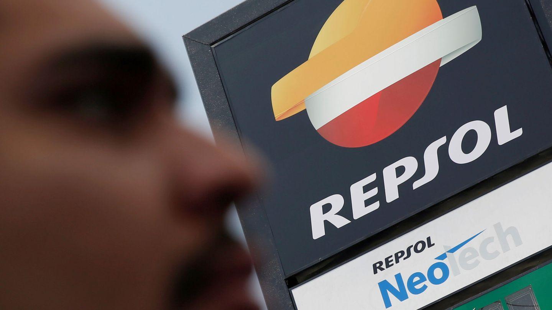 Logo en una estación de servicio de Repsol. (Reuters)