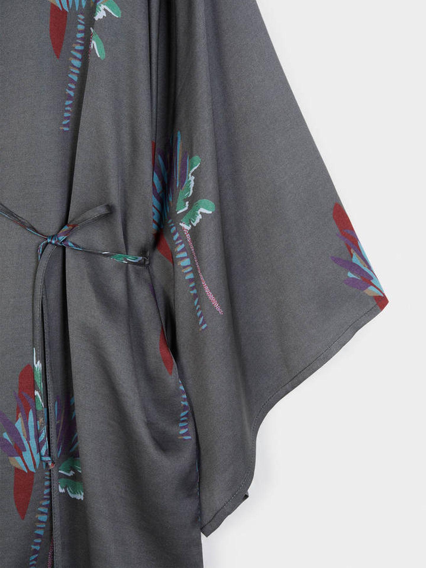 Kimono de palmeras de Parfois. (Cortesía)
