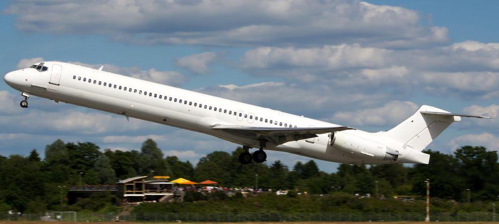 Foto: Modelo de avión MD83 de Swiftair (Reuters)