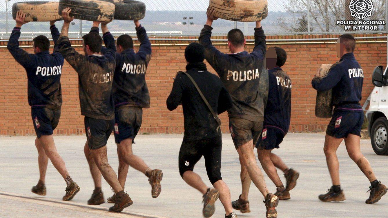 El tribunal absuelve a los tres policías acusados de dar una paliza a un mensajero