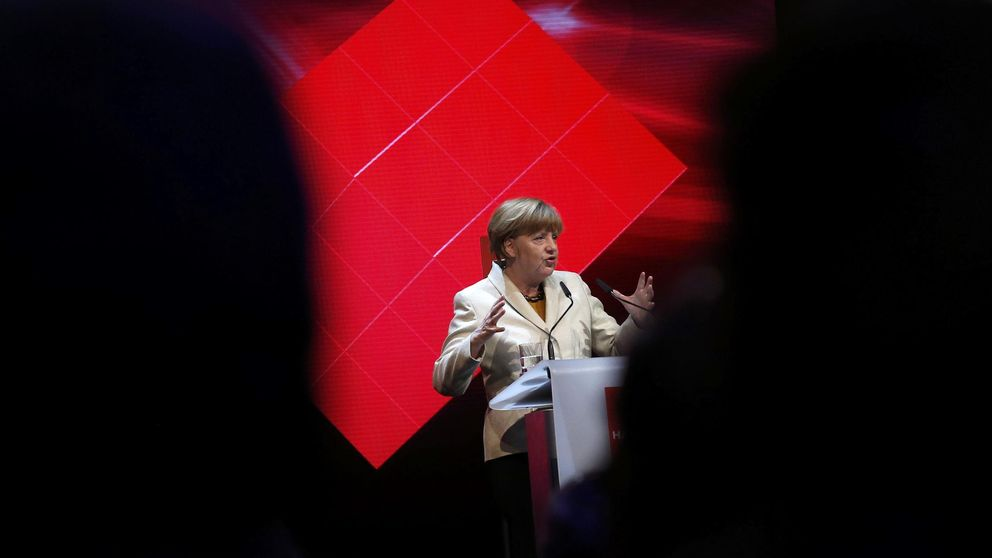 La receta de Merkel para Alemania: más gasto social y menos reformas
