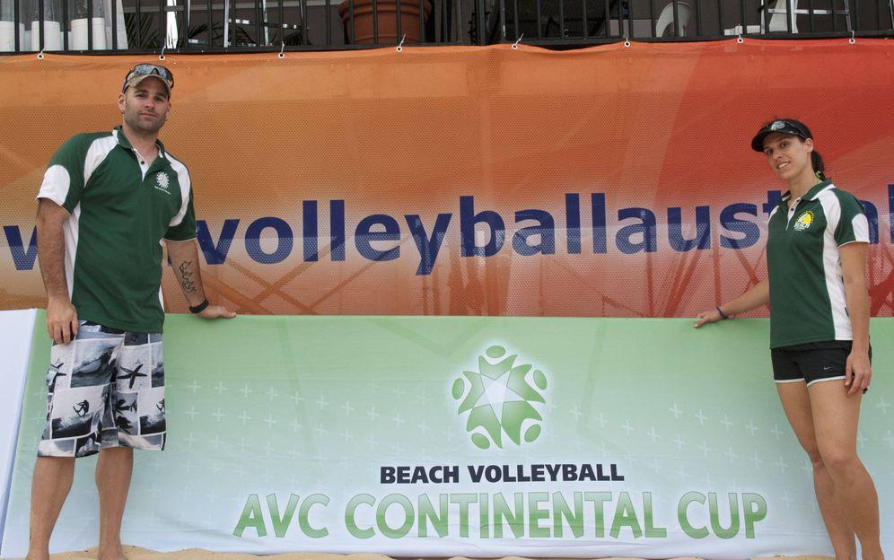 Foto: En la imagen, Borja González y Ana María Vidal, dos apasionados del voleibol (Foto cedida por Subetudeporte)