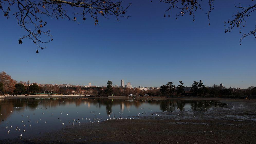 Foto: El lago de la Casa de Campo, drenado para su limpieza (Susana Vera / Reuters)