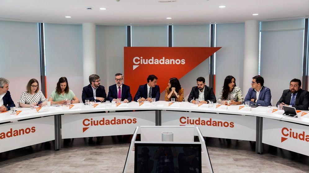 Foto: Reunión de la ejecutiva nacional de Ciudadanos presidida por Albert Rivera. (EFE)