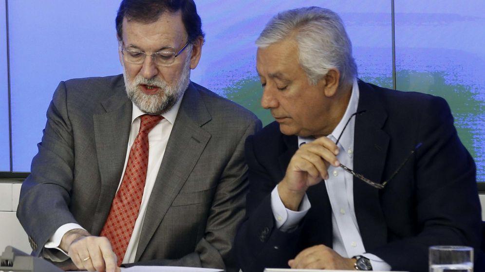 Foto: Mariano Rajoy y Javier Arenas. (Efe)