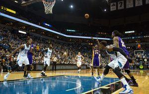 Bryant supera a Jordan y ya es el tercer máximo anotador de la NBA