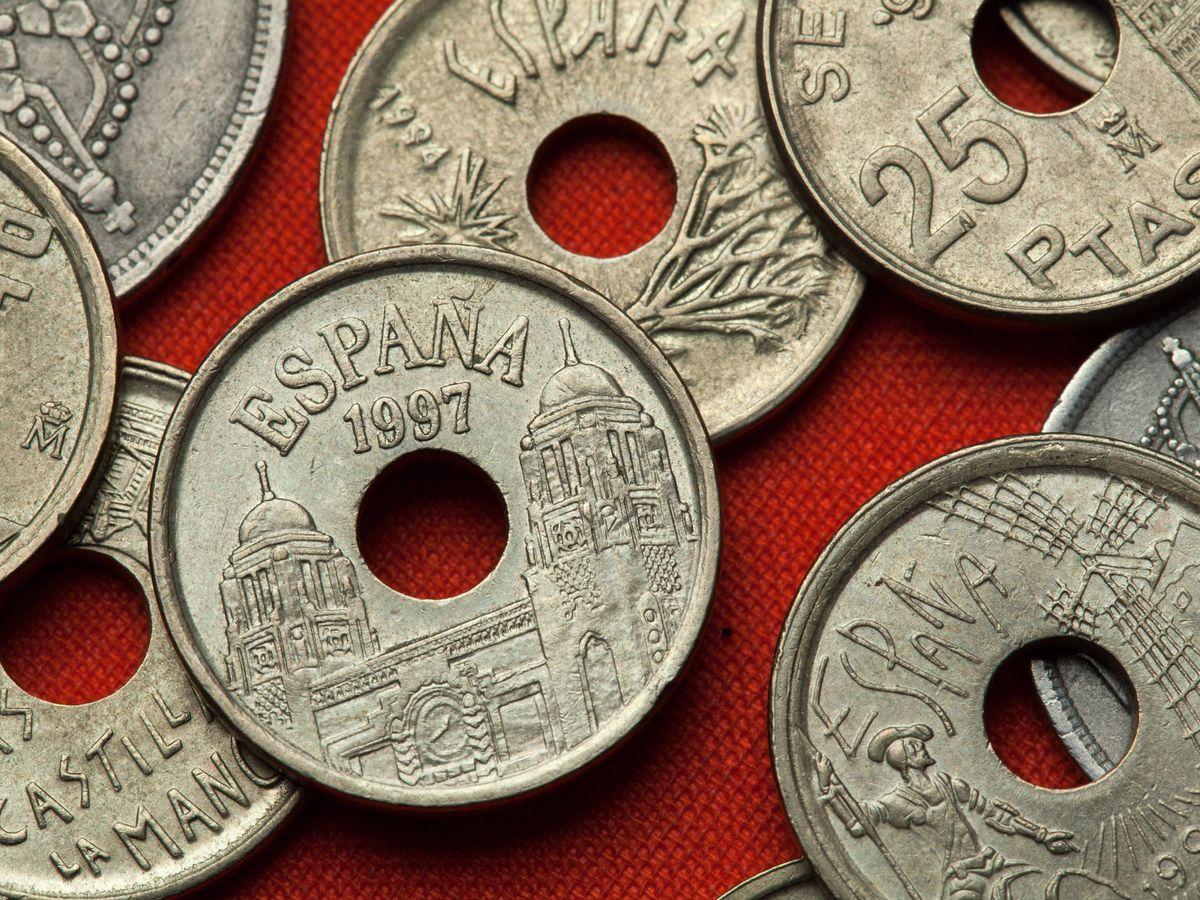 Foto: Monedas de 25 pesetas. (iStock)