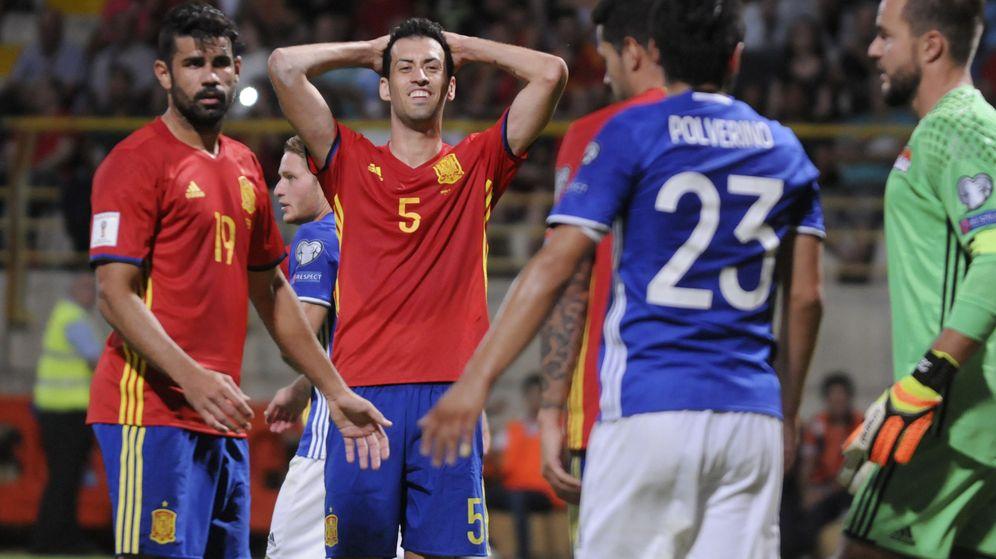 Foto: Busquets ha jugado los cuatro partidos con Lopetegui (J. Casares/EFE).