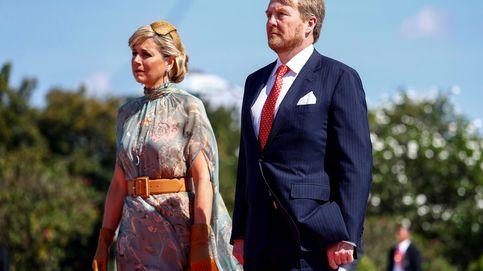 Máxima de Holanda se apunta al vestido-capa que arrasa entre las royals