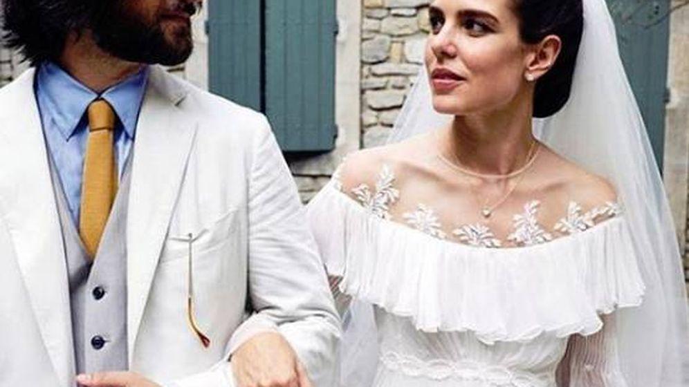 Foto: Carlota Casiraghi y Dimitri Rassam en su boda religiosa. (Foto oficial Felix Dol-Maillot)